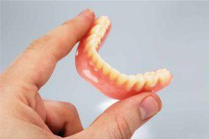 pulizia protesi dentale 2